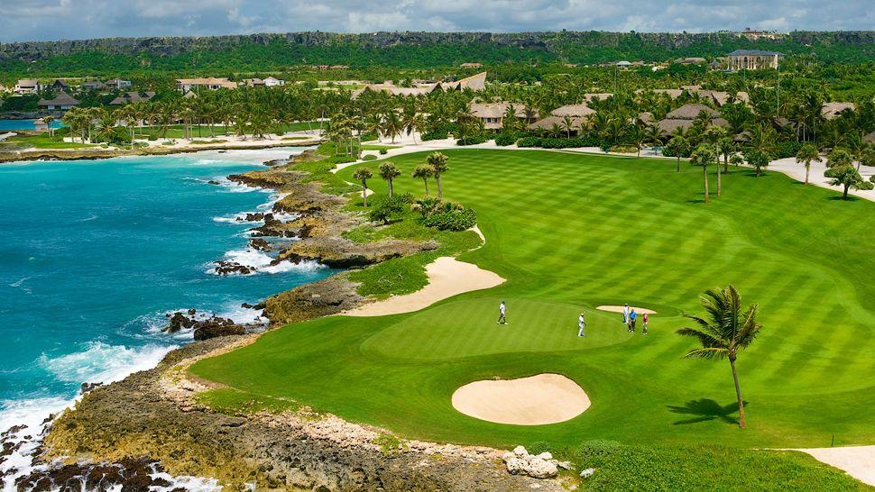 009152-11-aerial-golf