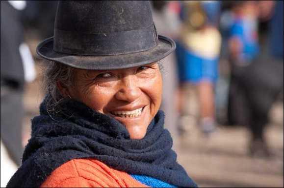 Indigena auf dem Viehmarkt von Otavalo