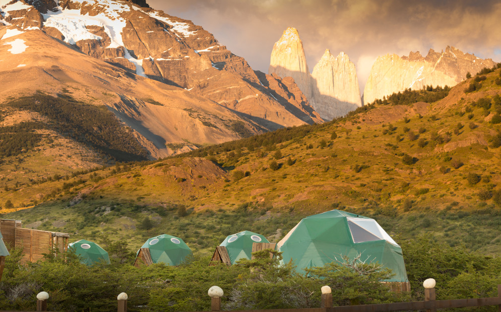 139752-ecocamp-patagonia-domes-and-view