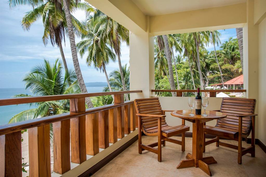 balcony-beachfront.JPG.1024x0 (1)